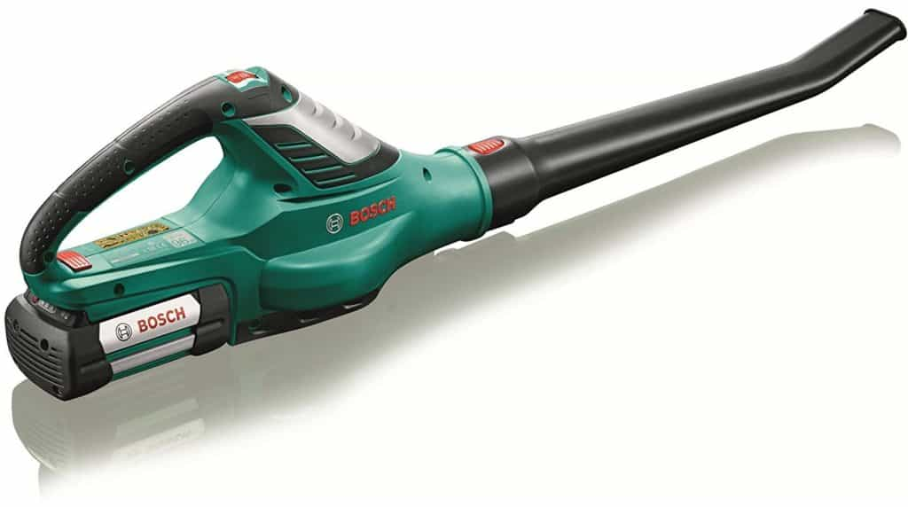 best leaf blower and garden vacuums leaf blower reviews uk updated. Black Bedroom Furniture Sets. Home Design Ideas